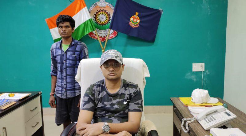 माओवादियों के कहने पर कभी काला झंडा फहराने वाले बामन ने ली अब देश सेवा करने की शपथ…