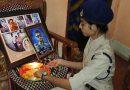 शहीद भाई की तस्वीर पर तिरंगे वाली राखी बांधकर बहन ने दी श्रद्धाजंलि