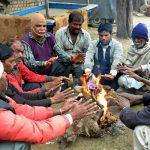 दिल्ली समेत उत्तर भारत में शीतलहर से कंपकंपी