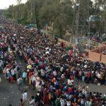 शहरीकरण की कीमत चुका रहे हैं प्रवासी मजदूर…