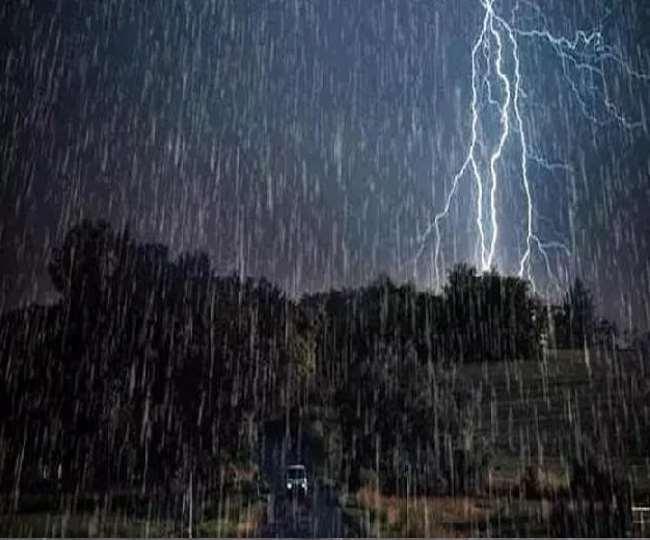 बदला मौसम का मिजाज़़, तेज हवा के साथ हुई बारिश…
