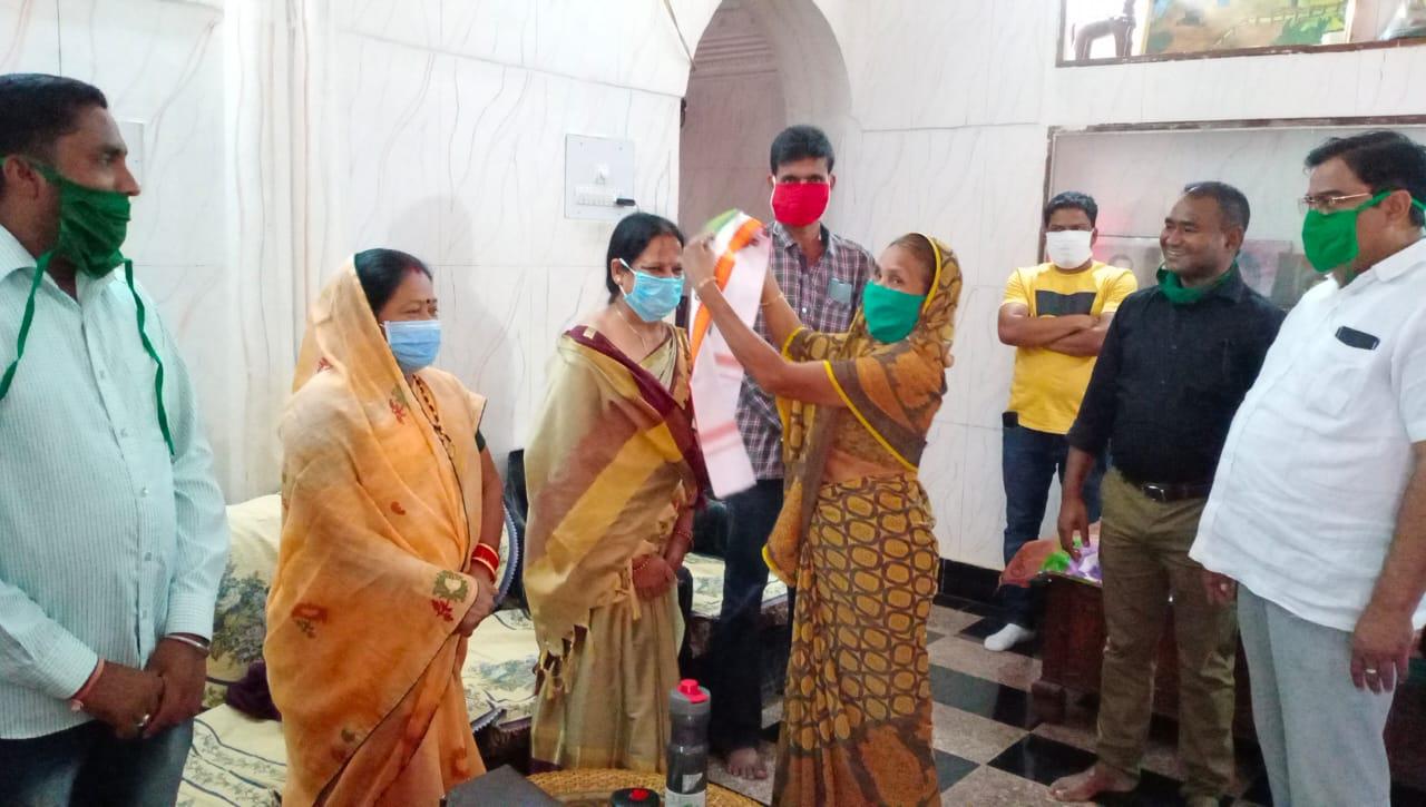 दंतेवाड़ा में भाजपा महिला मोर्चा अध्यक्ष समेत 4 नेता कांग्रेस में हुए शामिल…