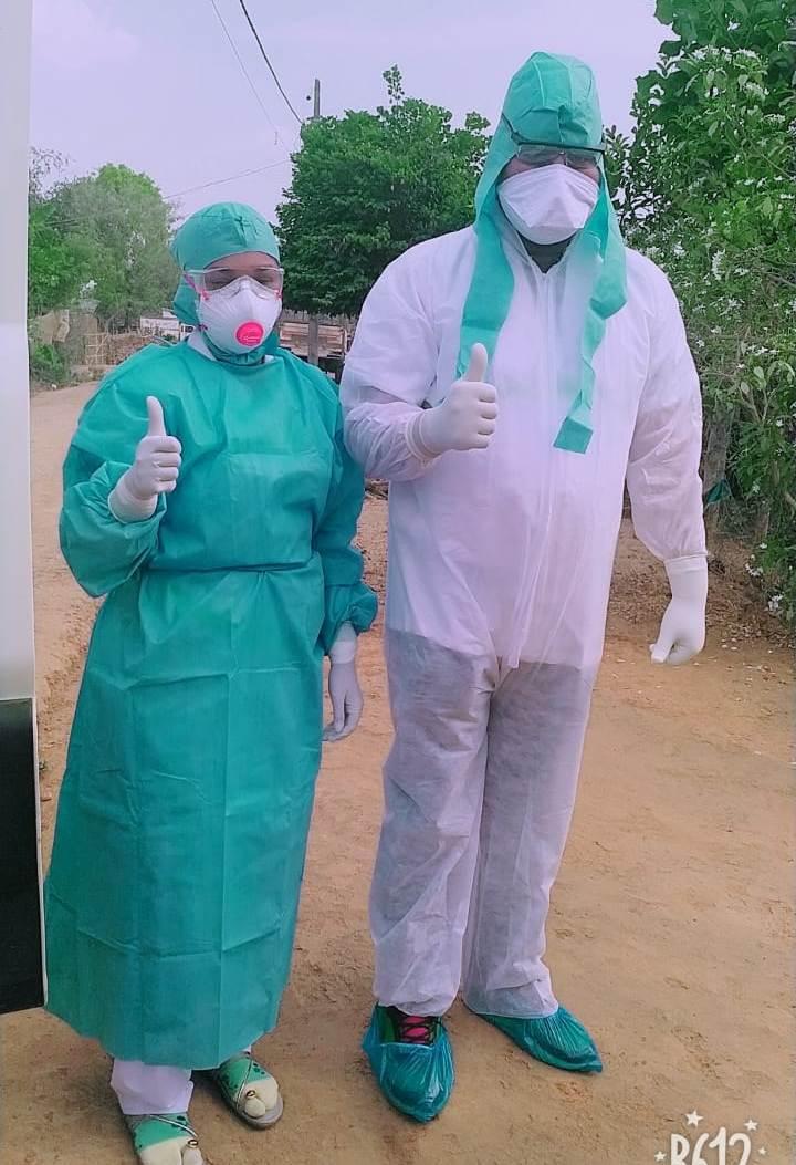 46 डिग्री के तापमान में पीपीई किट पहनकर स्वास्थ्य विभाग की टीम कर रही मजदूरों की जांच……कोरोना योद्धओं को सलाम।